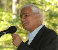 Ravi Zacharias Photo