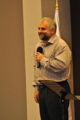 Vladimir Pustan Ciresarii 12:2011