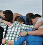 youth pray