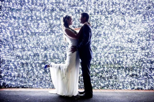 wedding bride groom 1 million lights