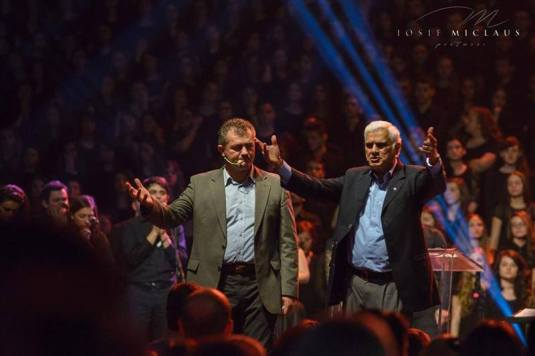 Ravi Zacharias Photo Iosif E, Miclaus
