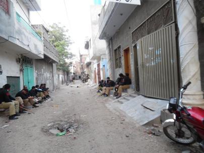 politia in Lahore dupa un atac asupra crestinilor