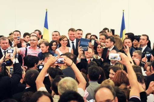 La mulți ani, românilor de pretutindeni! Klaus Iohannis