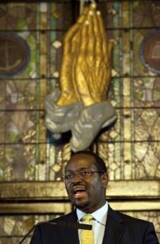 Pastor al Bisericii Emanuel Charleston si Senator de Stat in Carolina de Sud, si unul dintre victime. Photo www.topnewscenter.com