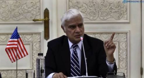 Dr. Ravi Zacharias in the Romanian Parliament may 2015 prodocensmedia.ro