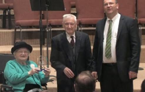 Hortenzia si Pitt Popovici sarbatoresc Aniversare 70 de ani cu Pastorul Matei Istudor la Biserica Romana Baptista din Gwinnet la programul din 1 Noiembrie 2015