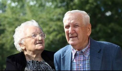 Pitt Popovici cu Hortenzia Popovici la implinirea de 97 de ani in 2015
