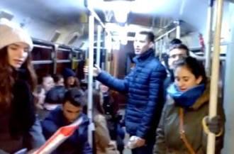 Colinda pe tramvaiul 10