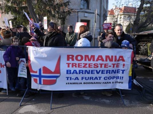Photo Prodocens Media Protest in fata Ambasadei Norvegiana in Bucuresti 1