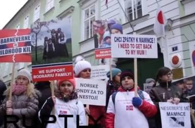 Bodnariu Protest Hague Czech Republic 1