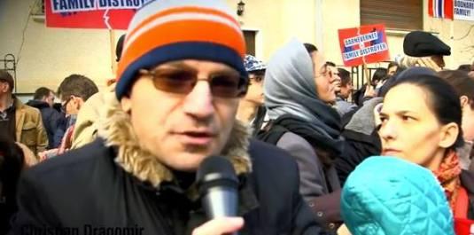 Cristian Dragomir la Protest in Piata Victoriei Bucuresti 9 ianuarie 2016