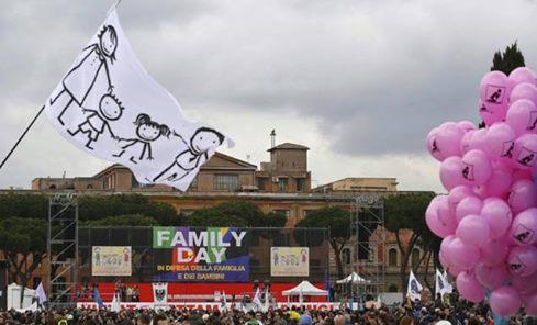 Family Day Roma Fanpage.it S-a estima tca parox 2 milioane au participat la Family Day, protest impotriva uniunilor civile pentru persoane de acelasi sex in Ianuarie 2016