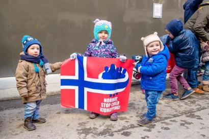 Kids protesting against Barnevrnet for BODNARIU family - Ireland 4 Bodnariu Family