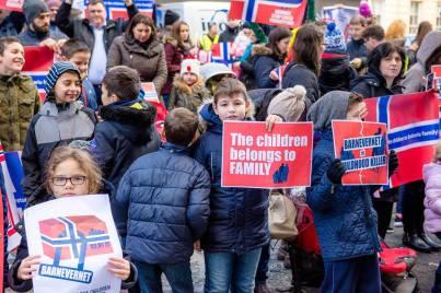 Kids protesting Barnevernet for BODNARIU family
