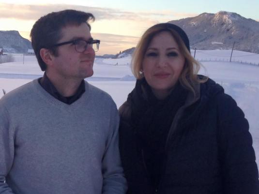 Marius Bodnariu cu Irina Pacurariu prezentatoare de stiri TVR