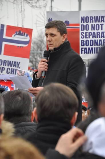 Nelu Brie la Protestul din Piata Victoriei Bucuresti 9 ianuarie