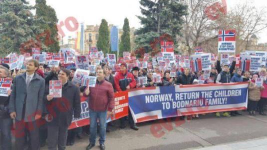 Protest #BODNARIU la Constanta Vasilica Croitor Photo credit evz.ro