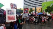 Brisbane protest familia Nan and Bodnariu