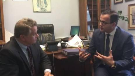 Mihai Gadea Împreună cu congresmanul Chris Smith, membru al Comisiei pentru Afaceri Externe