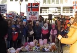 Ruben Filoti canta cu copiii Biserici Elim Bruxelles la Protest 12 feb Photo captura 2