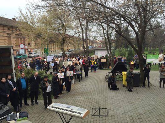 Marșul pentru Viață la Timișoara...în fața Bisericii Greco-Catolice...Photo Samy Tutac