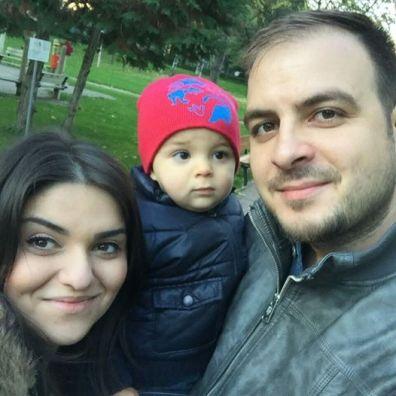Daniel Csaba Bereczki, cu sotia Ile Stancu Bereczki si copilul Foto Facebook
