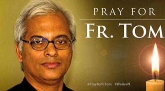 Apelul pentru rugaciune s-a terminat. Parintele Catolic indian, Thomas Uzhunnalil, 5 6 ani, a fost crucificat de Isis in Vinerea mare Foto Daily Mail