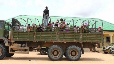 Armata nigeriană a eliberat peste 800 de ostatici ai grupării islamiste Boko Haram Photo www.newsexpressngr.com