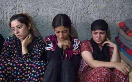 fete captive Statul Islamic Photo Adevarul