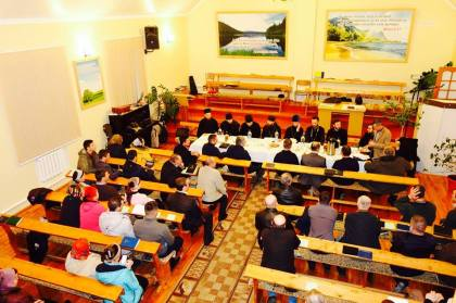 Daniel Cristian Florea in Republica Moldova Dezbatere cu preoti ortodocsi 2
