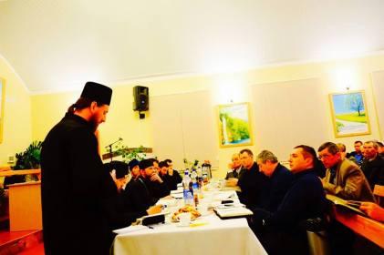 Daniel Cristian Florea in Republica Moldova Dezbatere cu preoti ortodocsi