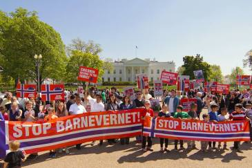 Protest against Barnevernet at the White House Photo John Ungureanu