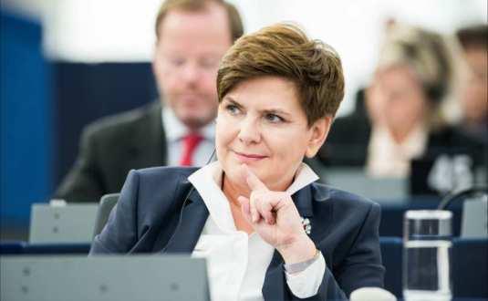 Beata Szydlo, prim-ministrul Poloniei Foto Cultura Vietii