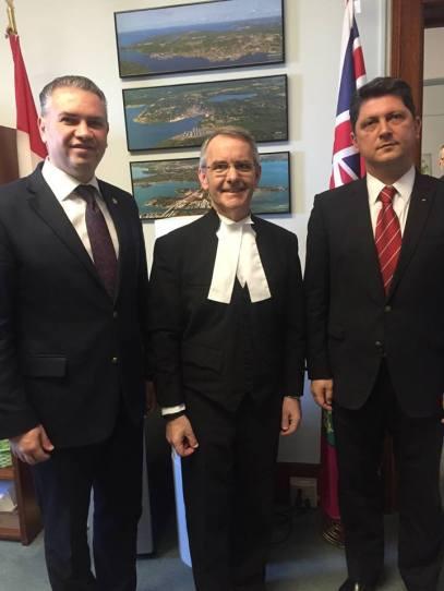 Vizita de săptămâna trecută a senatorilor Titus Corlăţean şi Ben-Oni Ardelean, a fost un prilej de întâlnire atât cu comunităţile româneşti din Calgary şi Ottawa, dar şi cu omologii din Parlamentul Canadei.