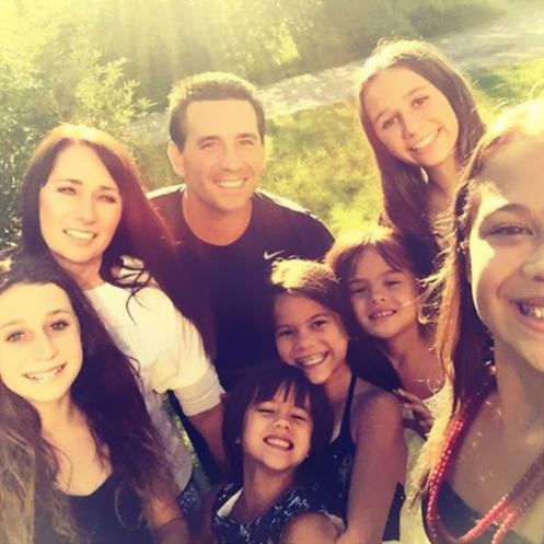 Laura Ruffino a adoptat toti cei patru copii ai prietenei ei, , care a murit de cancer.