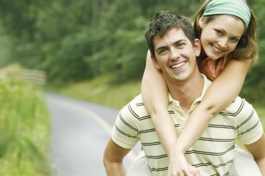 happy couple ww.fashionized.co