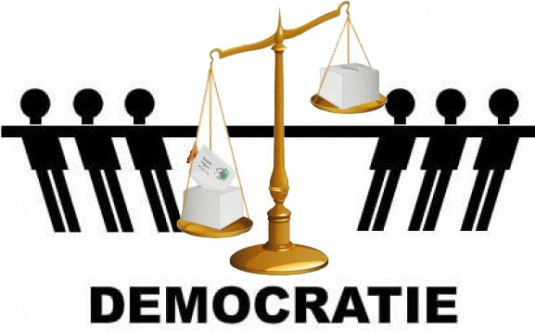 democratie-law FOTO www.romaniacurata.ro
