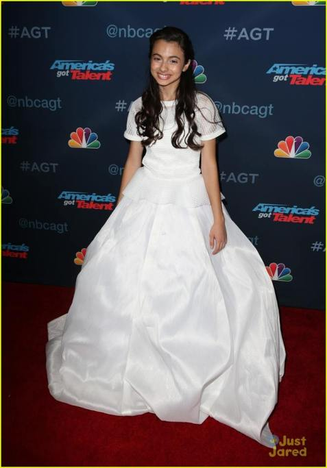 laura-bretan-americas-got-talent-nbc-foto