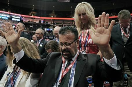 republican-national-convention-2016-prayer-foto-new-york-times
