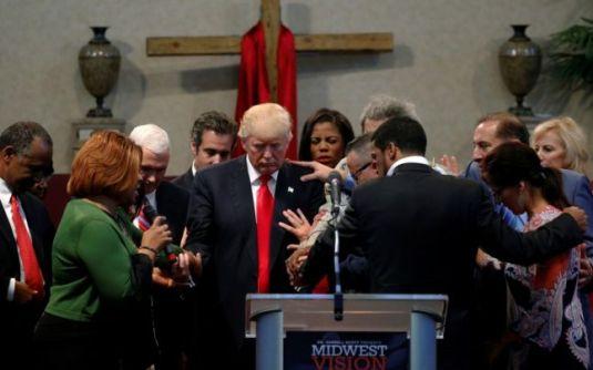 trump-rugaciune-prayer-evangelicals-foto-adevarul