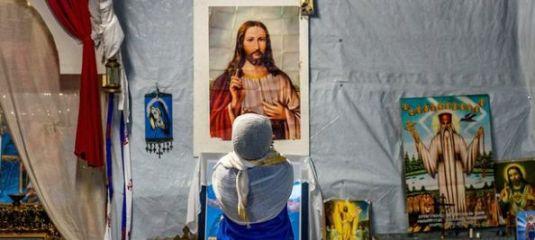 sute-de-musulmani-din-orientul-mijlociu-se-convertesc-la-crestinism