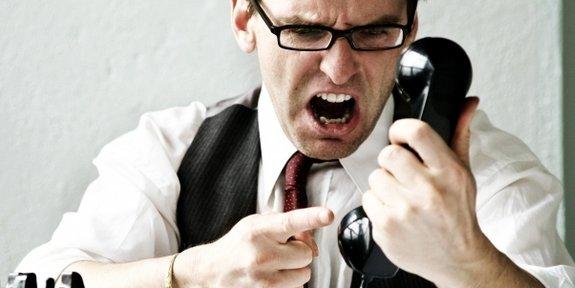 yelling phone mad angry Foto taringa