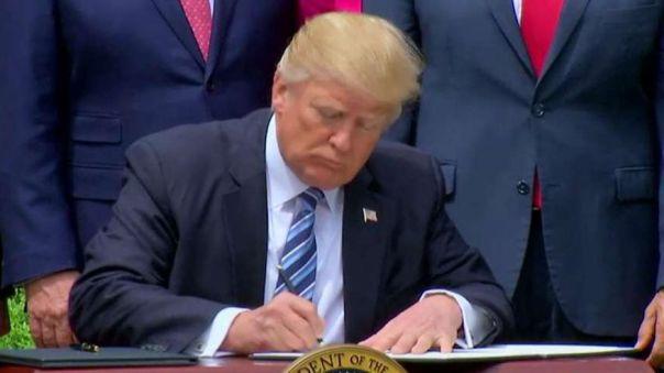 National Day of Prayer Trump FOTO Fox News