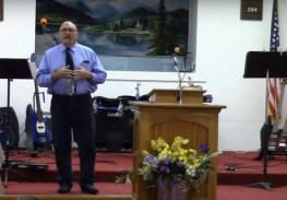 Pastor Frank Pomeroy of First Baptist Church of Sutherland Springs foto captura