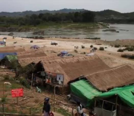 2000 crestini blocati in jungla myanmar foto captura