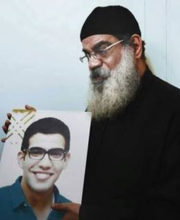 Priest Egypt son killed in bombings foto صوت الأمة